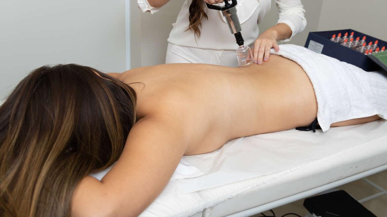 Baňková masáž